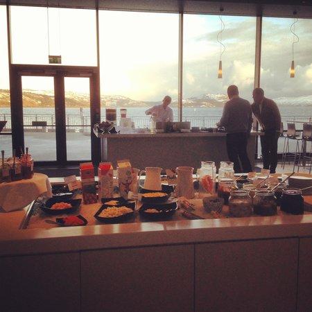 Thon Hotel Kirkenes: завтрак