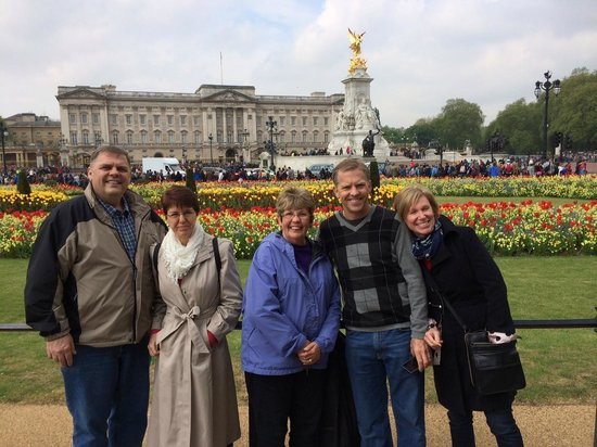 Private Tours UK - Peter West : Buckingham Palace