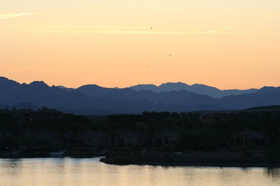 The Westin Lake Las Vegas Resort & Spa: Sunrise again - amazing colours