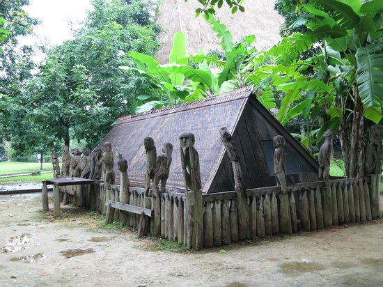 Ethnologisches Museum: another view of the typical house