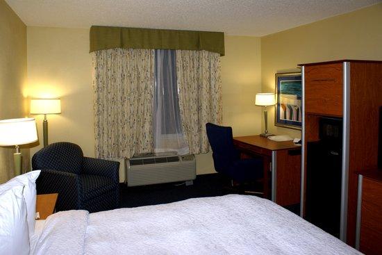 Hampton Inn Ft. Lauderdale /Downtown Las Olas Area: room gen eral view