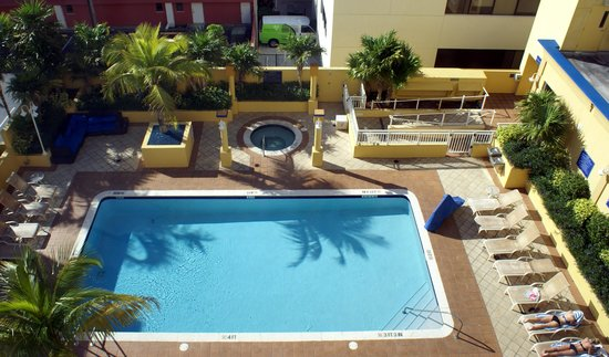Hampton Inn Ft. Lauderdale /Downtown Las Olas Area: swimming pool