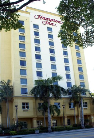 Hampton Inn Ft. Lauderdale /Downtown Las Olas Area: Hotel outside