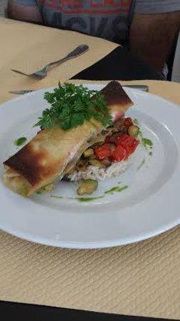 La Gamate: Filet de rouget en croûte ptits légumes et risotto