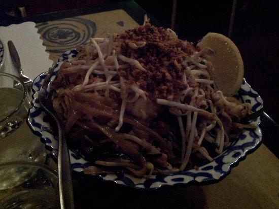 Blue Orchid Thai Restaurant: Seafood Pad Thai