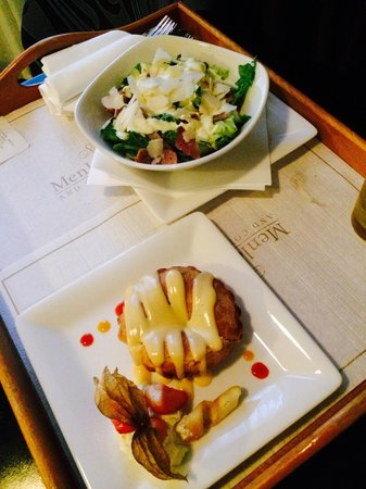 Menlo Park Hotel: Room service - Caesar Salad and Apple Pie