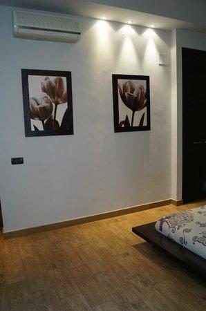 Locanda dei Poeti: Tastefully decorated room