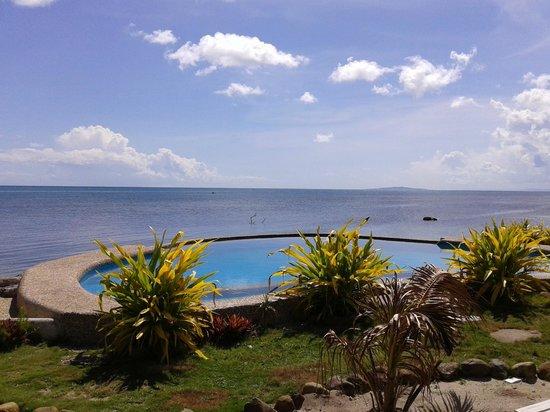 La Luna Beach Resort Pool