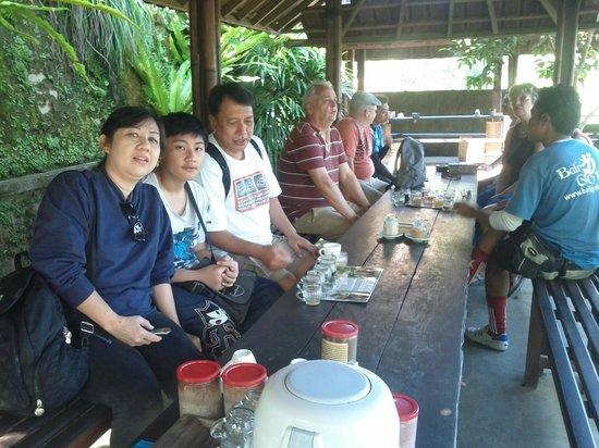 BaliGoBike - Bali Cycling Tours: Coffee testing