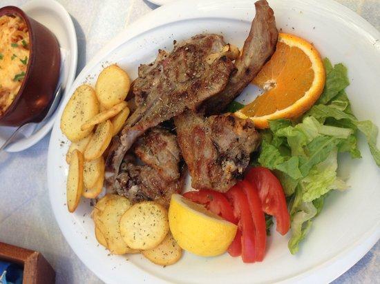 Estia Traditional Grill House: 很美味的羊排!只是餐厅服务尚待改进!
