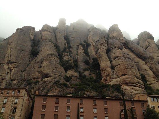 Montserrat Monastery : モンセラット
