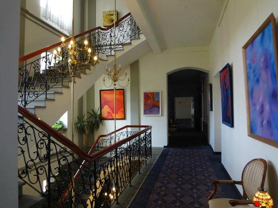 Paszkowka Palace Hotel : Couloir du palace