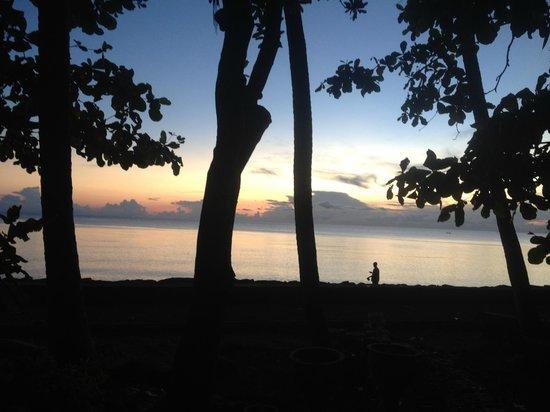 Cili Emas Oceanside Resort: Sonnenaufgang