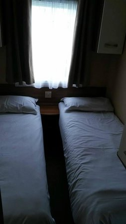 Hendra Holiday Park: Twin room of watergate Platinum