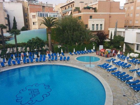 Hotel Anabel: PISCINA