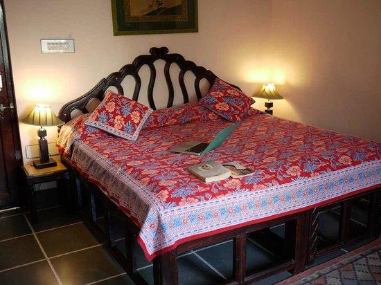 Hotel Mahendra Prakash: Comfy, homely bed