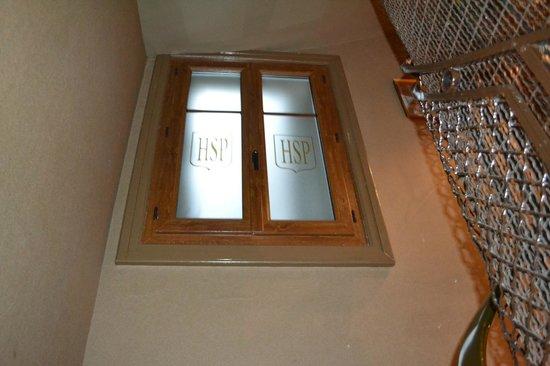 Hotel Saint Pierre : Stairway