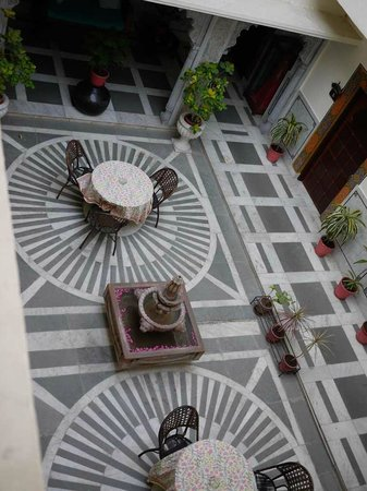 Hotel Mahendra Prakash: Beautiful decorative area