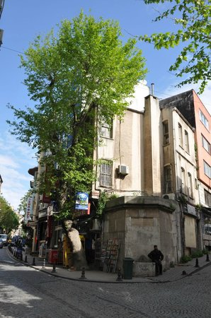 Historic Areas of Istanbul : Ucler Sok