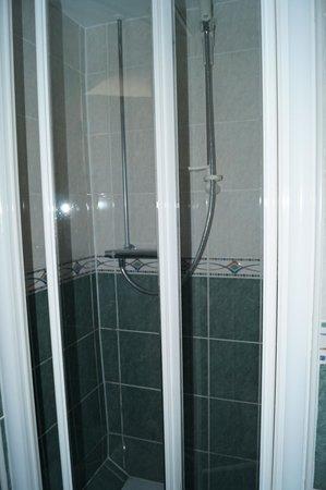 Rookery Manor: Shower