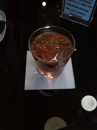 B:Free Cocktail Bar: Smoked Old Fashion
