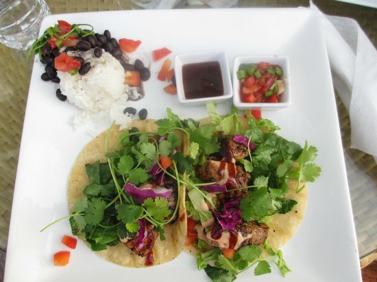 Fat Kahuna's Beach Side Grille: Ahi Fish tacos