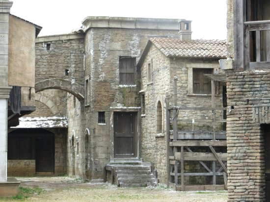 """Cinecitta Si Mostra - Shows Off : Set of Carlo Carlei's """"ROMEO AND JULIET"""""""