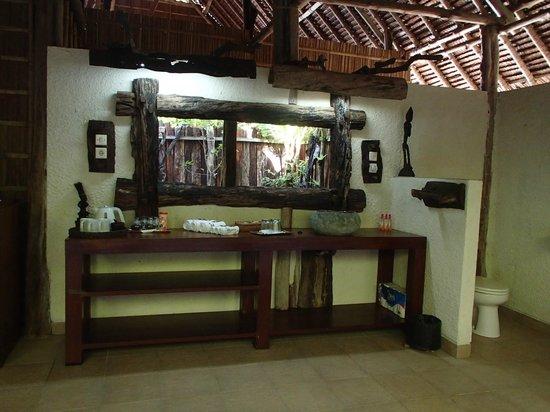 Raja4Divers Resort: La salle d'eau en partie à l'air libre