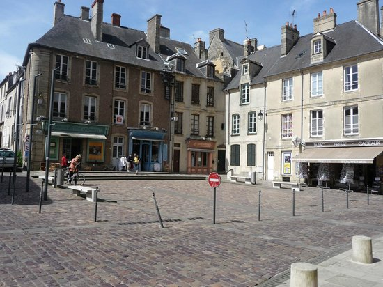 Musée de la Tapisserie de Bayeux : walk around the town lots to explore