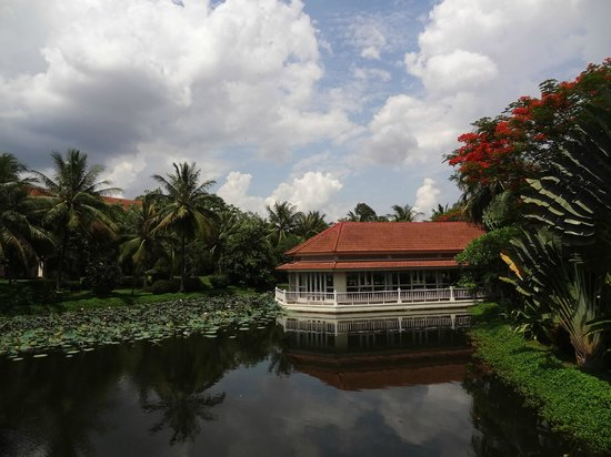 Sofitel Angkor Phokeethra Golf and Spa Resort: Gardens