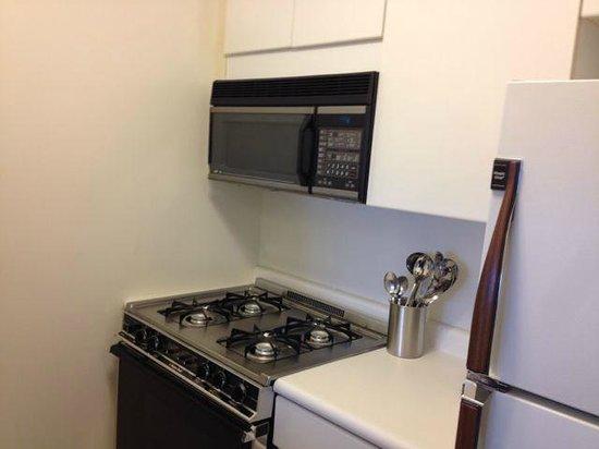 The Marmara Manhattan: kitchen