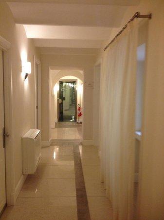 Demetra Hotel: corridoor
