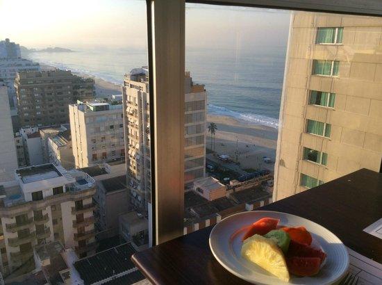 Everest Rio Hotel : breakfast view