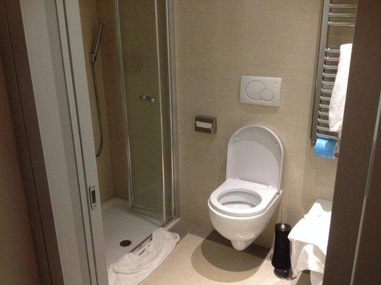 Demetra Hotel: bathroom