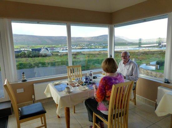 Shealane Country House: The breakfast room