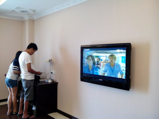 Grand Hoyah Hotel: 55-inch TV