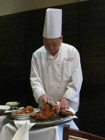 """Peking Duck House : Slicing our """"Peking Duck"""""""