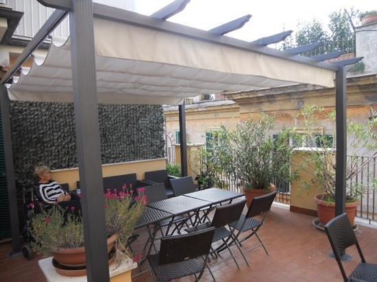 Smeraldo Hotel: roof top garden