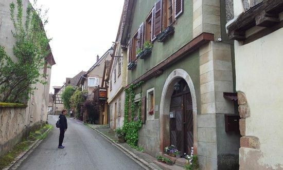 Clos Froehn : The Villave