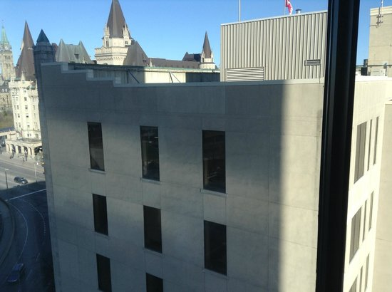 The Westin Ottawa: Iconic view?  I don't think so!