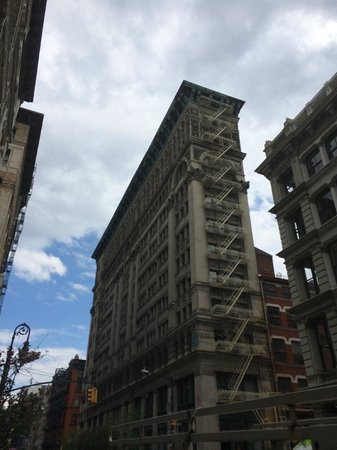 Free Tours by Foot : Cool architecture, cast iron building