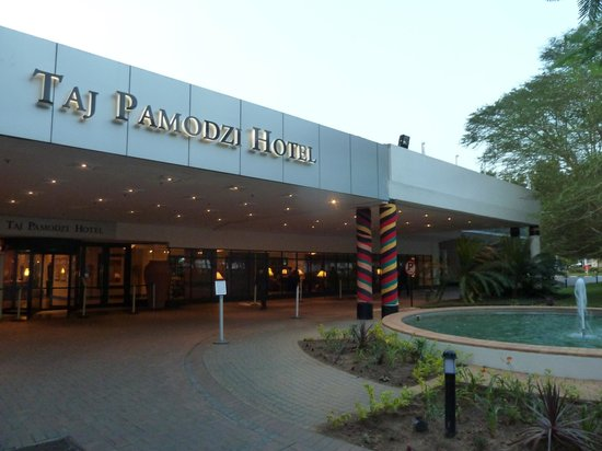 Taj Pamodzi Hotel : Hotel's grand entrance