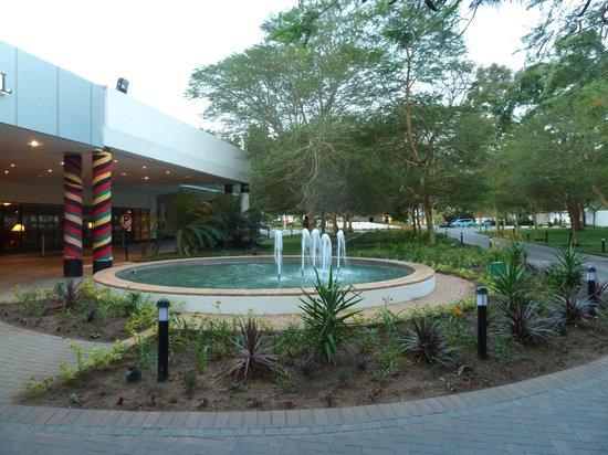 Taj Pamodzi Hotel : Lovely entrance to the hotel
