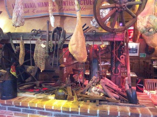 La Taverne des deux Augustins: Интерьер ресторана