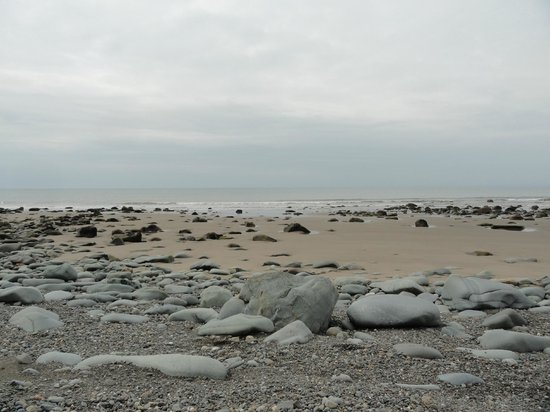 Prysgoed: the beach