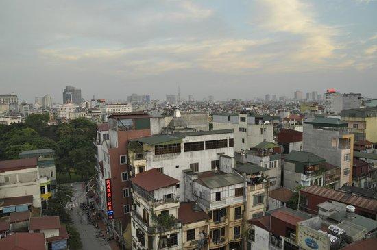 Hanoi Emotion Hotel: vue de la terrasse du restaurant