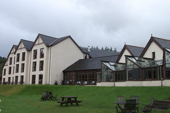 Isles of Glencoe Hotel & Leisure Centre: The Hotel form the back