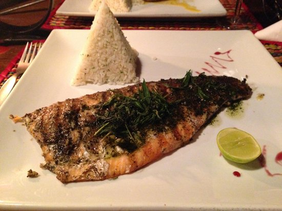 Toto's House: Fish with Andino's herbs
