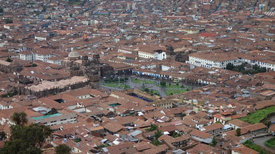 Plaza de Armas (Huacaypata): view from the hill