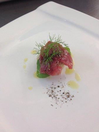 Marinero: Tuna carpaccio